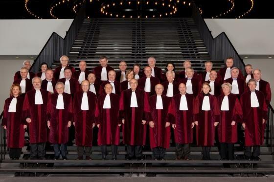 Mitglieder eines internationalen Strafgerichtshofs