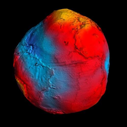 Das Schwerefeld der Erde besitzt einige Dullen und Beulen. (Bild: ESA/HPF/DLR)