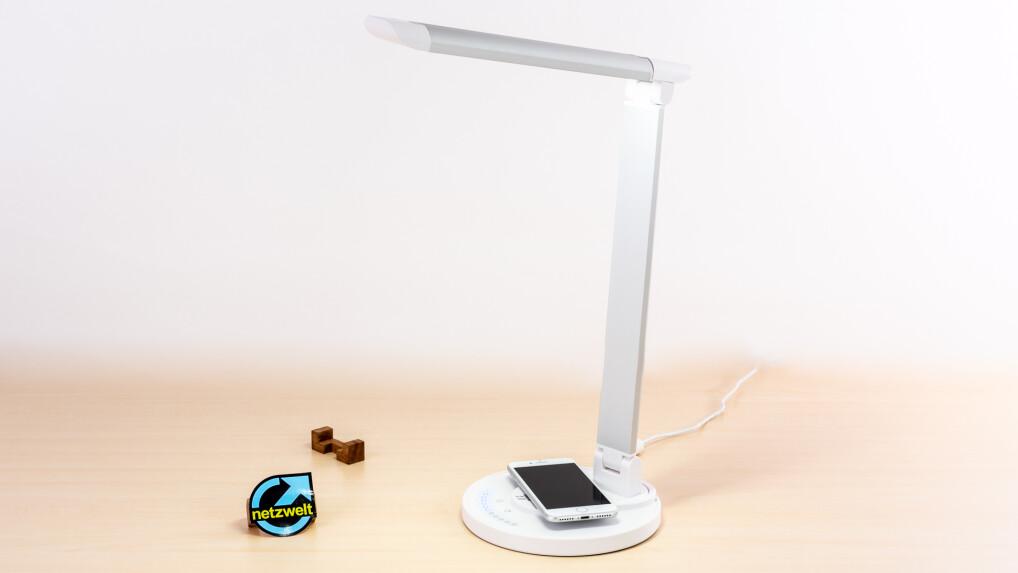 taotronics led schreibtischlampe mit qi ladestation im. Black Bedroom Furniture Sets. Home Design Ideas