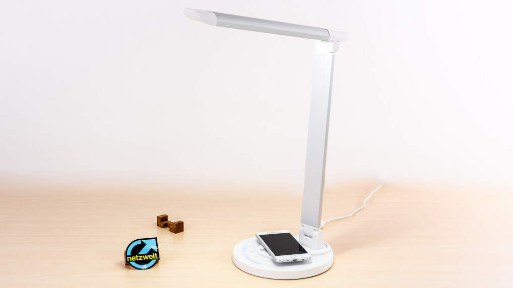 taotronics led schreibtischlampe mit qi ladestation im test netzwelt. Black Bedroom Furniture Sets. Home Design Ideas