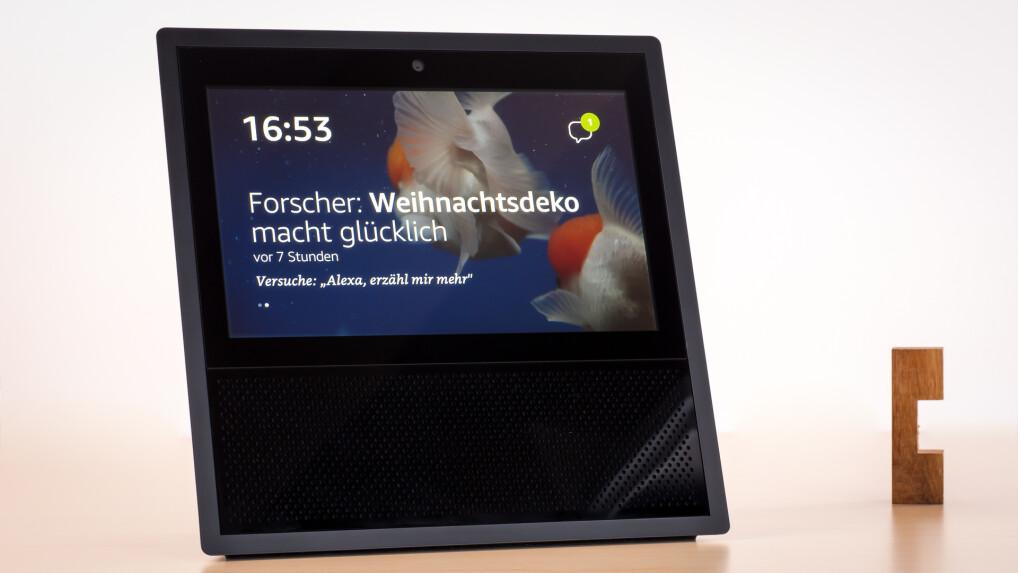 amazon echo show im test alexa speaker mit display. Black Bedroom Furniture Sets. Home Design Ideas