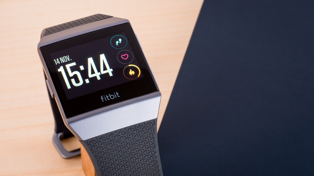fitbit ionic im test wie viel smartwatch steckt in der. Black Bedroom Furniture Sets. Home Design Ideas