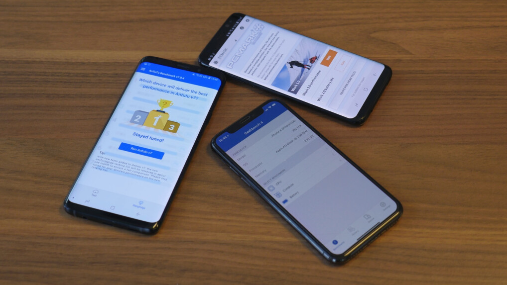 In the benchmark test, the Galaxy S9 must be compared with the iPhone X [middle] and Galaxy S8 [right].