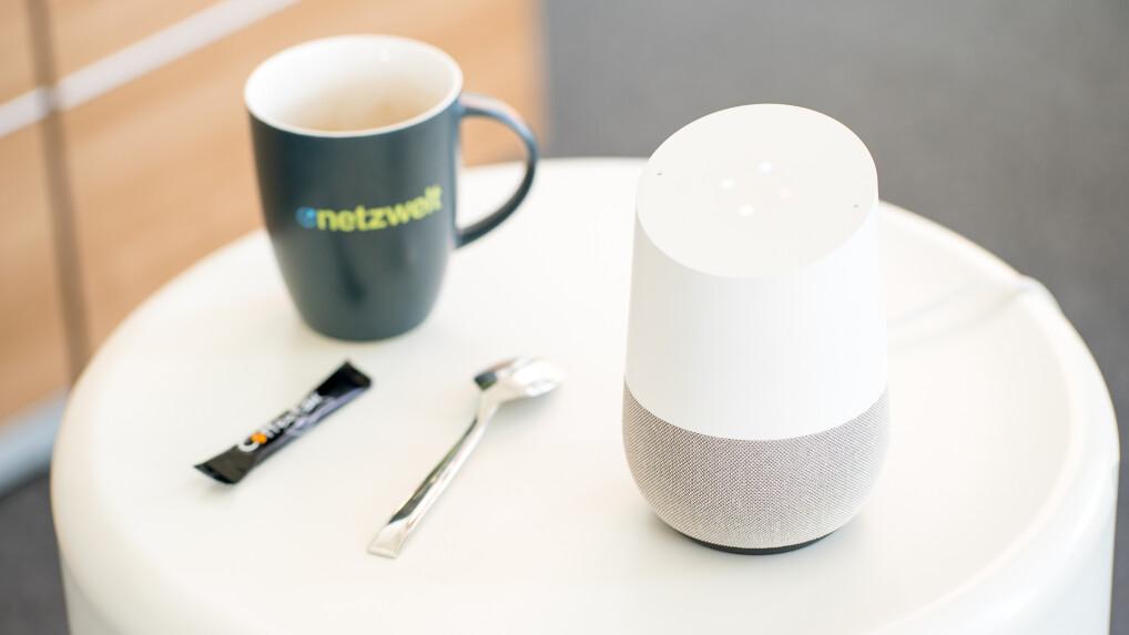 google home im test amazon alexa konkurrent im praxis test netzwelt. Black Bedroom Furniture Sets. Home Design Ideas