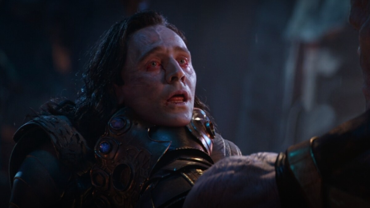 Thanos mata a Loki