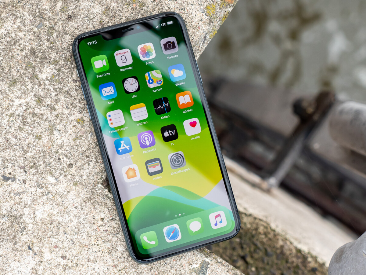 On some iPhone 11 models, the touchscreen stops responding to inputs due to an error.