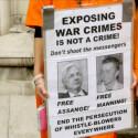 Unterstützer von Julian Assange rufen zur Demonstrationen vor dem Gericht auf, in dem über die Auslieferung nach Schweden verhandelt wurde.
