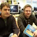 Game Designer und Lead Artist Marco Hüllen zusammen mit Jan Müller-Michaelis, Creative Director von Daedalic Entertainment.