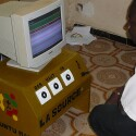Ein Rechner, der sich über drei Buttons bedienen lässt.