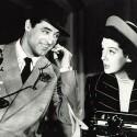 Im Gegensatz zu Western sind romantische Komödien auch heute noch vor allem bei weiblichen Kinobesuchern sehr beliebt. Einer der Klassiker des Genres ist <b>His Girls Friday</b> mit Cary Grant und Rosalind Russel in den Hauptrollen. Laut dem American Film Institute gehört der Film, dessen deutsche Version <b>Sein Mädchen für besondere Fälle</b> heißt, zu den 20 besten  Filmkomödien aller Zeiten. (<a href=http://www.archive.org/details/his_girl_friday target=blank>Download</a>)