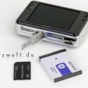Sony DSC-T2 - Lithium-Ionen-Akku und Sony Memory Stick pro duo. Zusätzlicher Speicher ist aber eigentlich nicht nötig, bei 4 Gigabyte eingebautem Speicher. Laufzeit im Test: 270 Fotos.