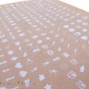 Neben einem Bogen mit 286 vorgefertigten Symbolen, unter anderem für PC-Games, gibt es noch einen zweiten mit derselben Anzahl beschreibbarer Blanko-Sticker.