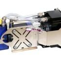 Im Gegensatz zu passiven Lösungen braucht der Radiator des Komplettpakets einen zusätzlichen, mitgelieferten 120-Millimeter-Lüfter, der zur effizienten Kühlung allerdings keine lauten Drehzahlorgien benötigt.