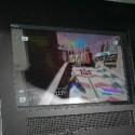 In den Leipziger Messehallen sollte man aufpassen wo man hinläuft: Dieser Bildschirm wurde im Hallenboden eingelassen.