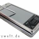 Das X1 lässt sich nicht durchgängig mit dem Finger bedienen, dafür sind die Felder der Windows-Mobile-Oberfläche zu klein.