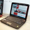 Ganz nach realem Vorbild kommt auch bei Acers Ferrari 1000 Kohlefaser zum Einsatz.