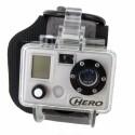 Eine Kamera für Hand- oder Fußgelenk: Gopro Digital Hero.