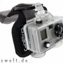 Die Gopro Digital Hero hält sportliche Aktivitäten in digitalen Bildern fest. Dank des stabilen Gehäuses besitzt sie eine Tauchtiefe von 30 Metern.