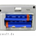 Betrieben wird die Gopro Digital Hero von 1,5 V Akkus oder Batterien.