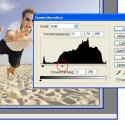 Der erste Ansatz erzeugt aus einem Foto mittels Tonwertkorrektur ein helles, ein dunkles und ein normalbelichtetes Foto. Diese werden dann in der HDR-Software zusammengesetzt. Ein finales Tone Mapping lässt den HDR-Look entstehen.