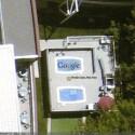 Auch das Google Logo ist aus dem All zu erkennen