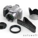 Kameragurt, Objektivdeckel, Sonnenblende und der passende Adapter für diese.