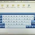 Für die Texteingabe steht eine zweifach zoombare Tastatur zur Verfügung.
