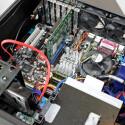 Der geräumige Innenraum bietet genügend Platz für normalgroße PC-Hardware.