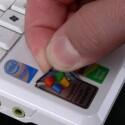 Nicht vergessen: Der Microsoft-Sticker kann abgezogen werden.