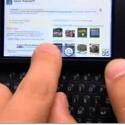 Tippen auf Bildschirm und Tastatur
