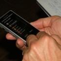 Der Touchscreen dient neben der Tastatur zur Bedienung.