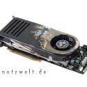 Die vorliegende Sapphire Radeon HD 2900 XT liegt nicht nur preislich genau zwischen den Testkandidatinnen mit GeForce 8800 GTX und GTS, sondern auch was die Abmessungen angeht. Sie ist nur wenig länger als die GTS, aber deutlich kürzer als die GTX.