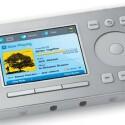 Sowohl ZP80 als auch ZP100 werden mit Hilfe dieser Fernbedienug gesteuert. Dicker Nachteil ist der fest installierte Akku. Gibt dieser den Geist auf, lässt sich das gesamte System nicht mehr steuern.