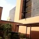 Dieser Mix hat statt mehreren nur einen Hauptdarsteller: Der <a href=http://www.youtube.com/watch?v=D2kJZOfq7zk target=blank>Urban Ninja</a> springt von Hausdächern und zeigt unglaubliche akrobatische Einlagen.
