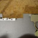 Um die Festplatte leicht herausnehmen zu können wurde ein Ausschnitt in die Zwischenplatte gesägt.