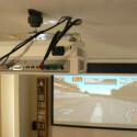 Das Home Entertainment System besteht aus Beamer, Boxen und ausfahrbarer Leinwand.