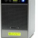 Viererpack: Als einziges SOHO-NAS im Test nimmt das Netgear ReadyNAS RND 4425 bis zu vier S-ATA-Festplatten auf.