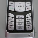 """Allein der Hinweis \""""WiFi\"""" lässt vermuten, dass das F1000 anders ist..."""