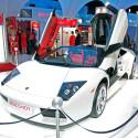 Es gibt wohl kaum eine bessere Möglichkeit, um Car-Entertainment in der Praxis zu demonstrieren als einen rassigen Supersportwagen.