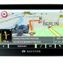 Bei einem Preis von 399 Euro ist das Navigon 7210 mit einem 4,3 Zoll großen Touchscreen im 16:9-Format ausgestattet. Zum Funktionsumfang gehören Spracherkennung Pro, eine Bluethooth-Freisprecheinrichtung sowie Landmark View3D, das einem auf dem Display auf Sehenswürdigkeiten hinweißt. Kostenlose Stau-Infos liefert die im Ladekabel integrierter TMC-Antenne.