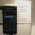 Das Kamera-Handy bietet eine Auflösung von stolzen zwölf Megapixeln, einen Touch-Fokus sowie zahlreiche Multimedia-Funktionen.