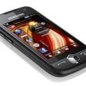 Das 3,1-Zoll-Display des Jét S8000 reagiert laut Samsung besonders schnell und liefert dank AMOLED-Technik ein sehr leuchtstarkes und kontrastreiches Bild. (Foto: Samsung)