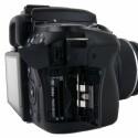 Neben Memory Sticks können auch SD-Speicherkarten in der Kamera genutzt werden.