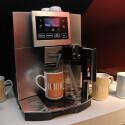 Ein Sensor erkennt Tasse, Person und den Lieblingskaffee.