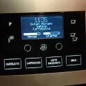 Die Maschine kommuniziert per Bildschirm mit dem Kaffeetrinker.
