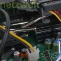 Northbridge und CPU werden mittels Heatpipes und Kühlerkörpern passiv gekühlt.