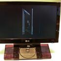 Der Zweitfernseher ist mit seinem aufgestellten DVD-Player ein echter Blickfang - leider aber sehr empfindlich gegenüber Besucherfingern.