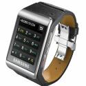 Ein Handy fürs Handgelenk: Das Samsung S9110 wiegt 117 Gramm, bei Abmessungen von 5,9 x 3,9 x 1,2 Zentimetern. Die Bedienung erfolgt über den 1,76 Zoll großen, berührungsempfindlichen Bildschirm mit einer Auflösung von 176 x 220 Bildpunkten. Es ist ab Ende des Jahres auch in Deutschland erhältlich.
