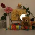 Zimmerbeleuchtung ein, Blitz aus: ISO 200, Blende 2.8, 1/38 Sekunde.
