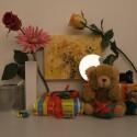 Zimmerbeleuchtung ein, Blitz aus: ISO 400, Blende 2.8, 1/85 Sekunde.